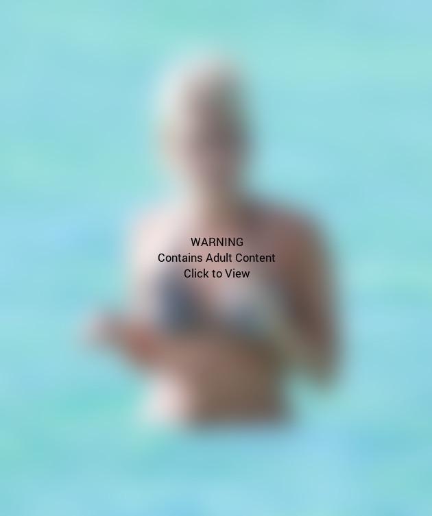 Carrie Underwood Bikini Photo