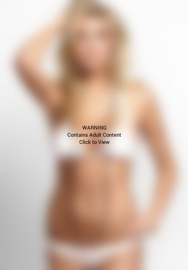 Kate Upton in a Bikini Photo