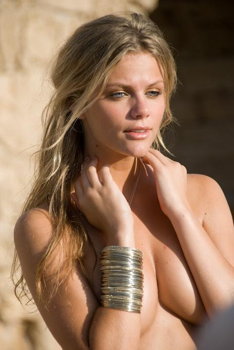 Brooklyn Decker Naked