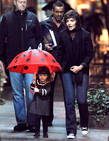 Suri Cruise and Katie Holmes Pic