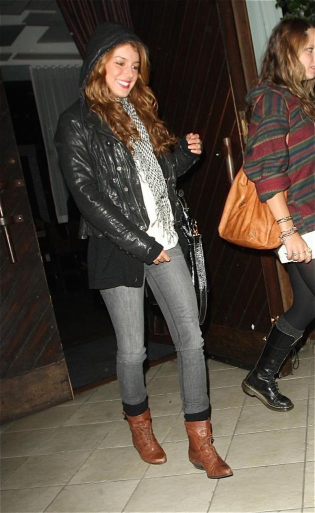 Shenae Grimes Going Out