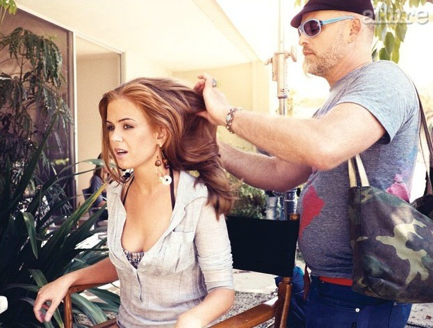 Isla Getting Her Hair Done