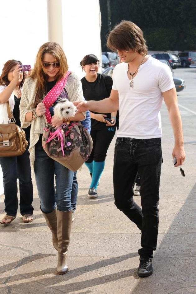 Miley and Justin Strollin'