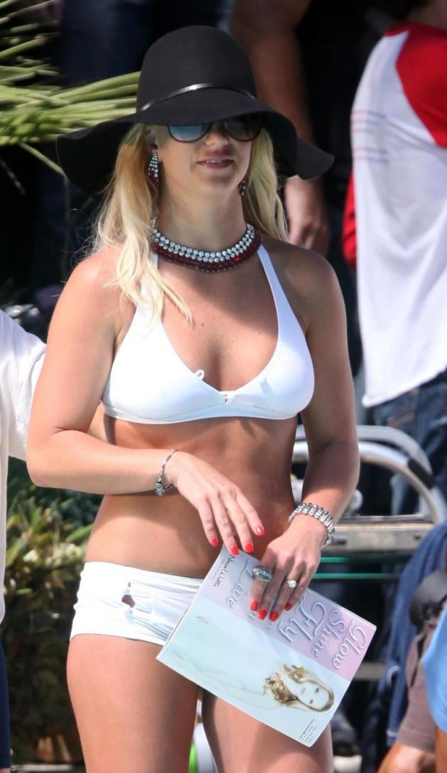 Hot Britney Bikini Photo