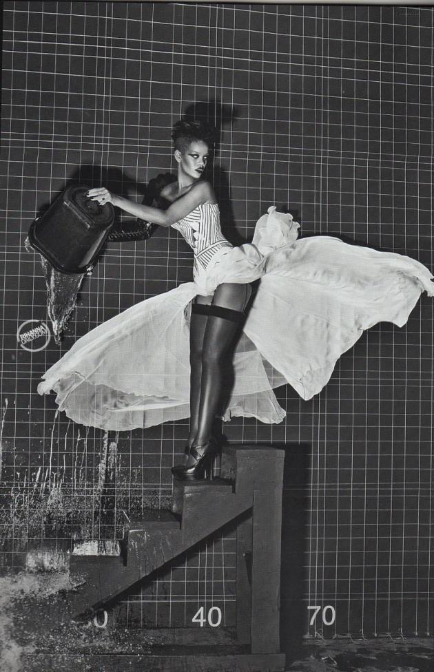RiRi Vogue Pic