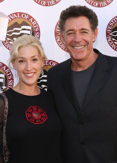 Elizabeth Kennedy and Barry Williams