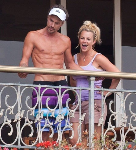 Britney Spears, Jason Trawick Shirtless