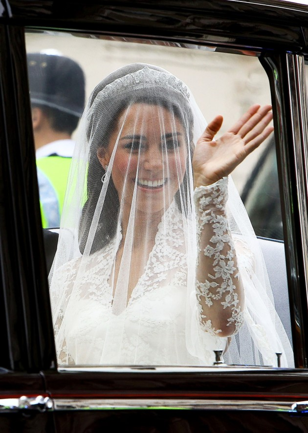 Kate Middleton Waves