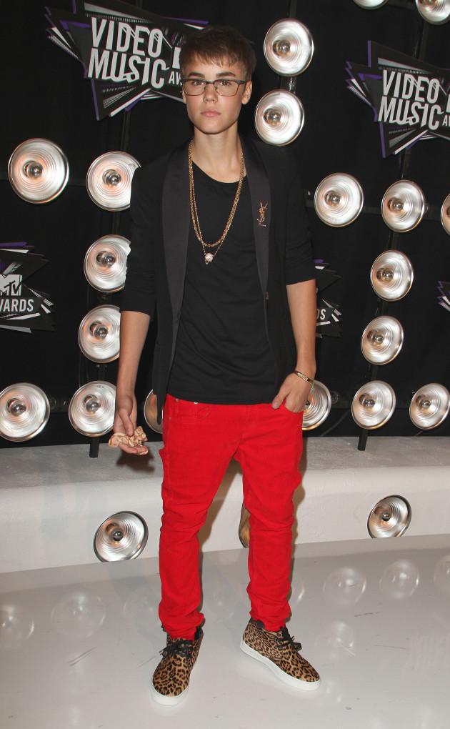 Justin Bieber VMA Outfit