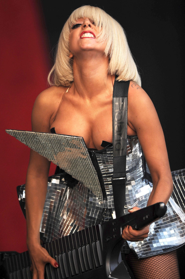 Lady Gaga Cleavage Alert