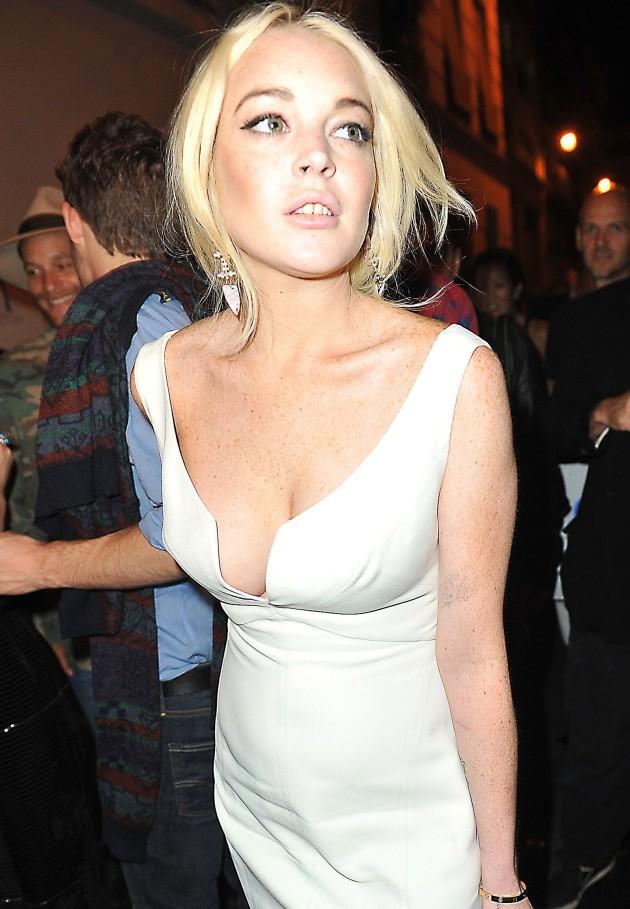 Lindsay Lohan Hangs Out