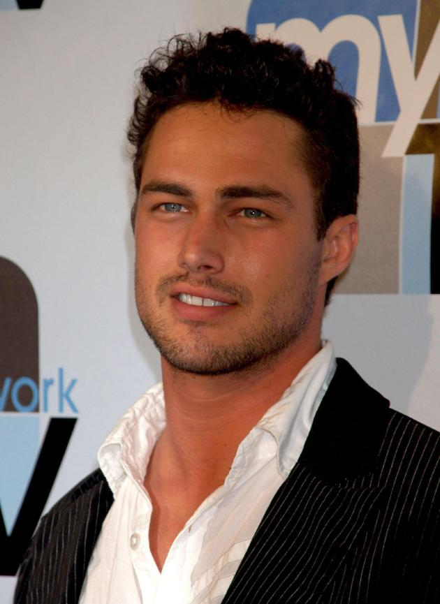 taylor-kinney-photo.jpg