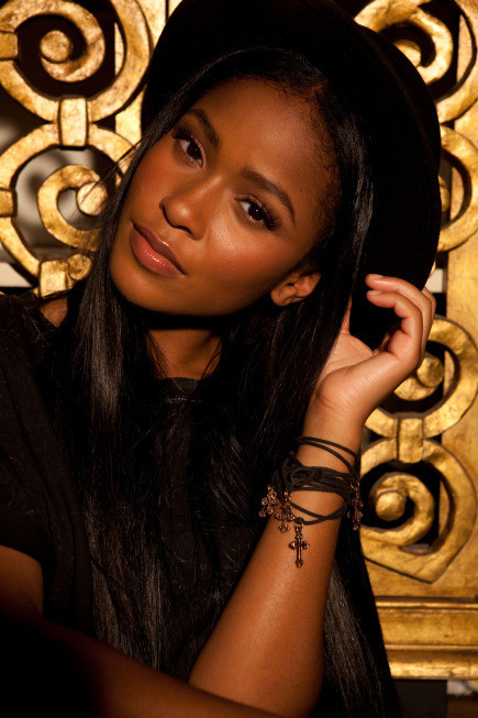 Simone Battle Pic