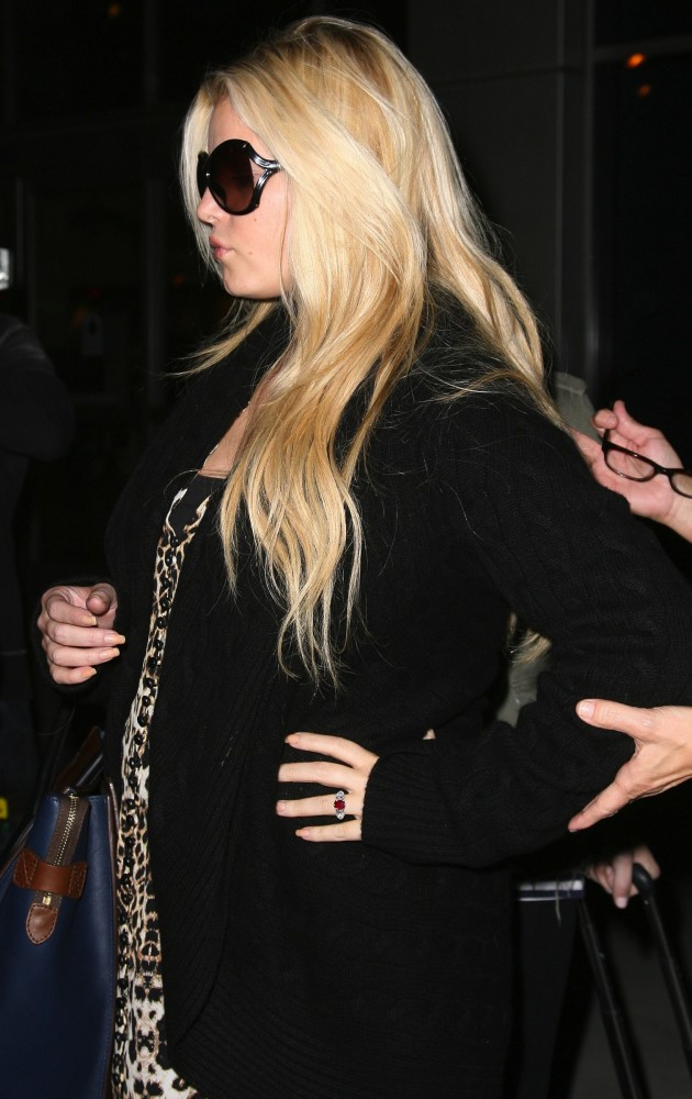 Jessica Simpson Side View