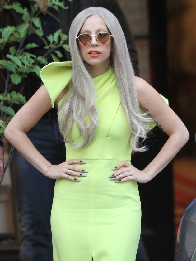 Lady Gaga, Yellow Dress