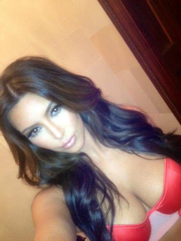 Kim Kardashian Bikini Tweet