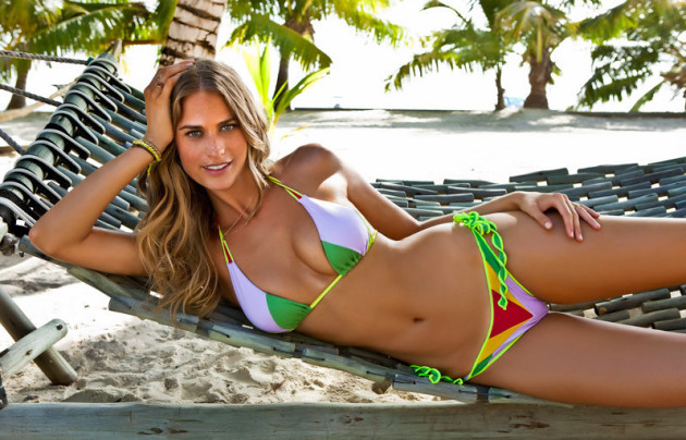 Julie Henderson Bikini Pic
