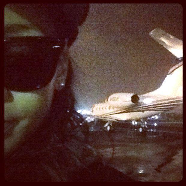 Rihanna, Airplane