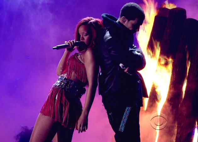 Rihanna and Drake Perform
