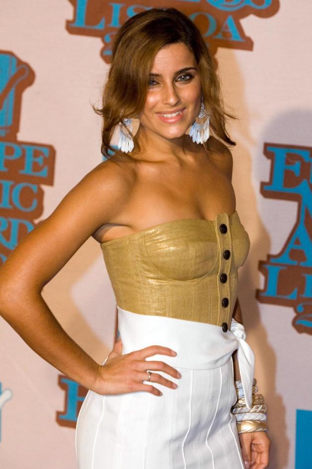 Nelly Furtado awards arrival 2006