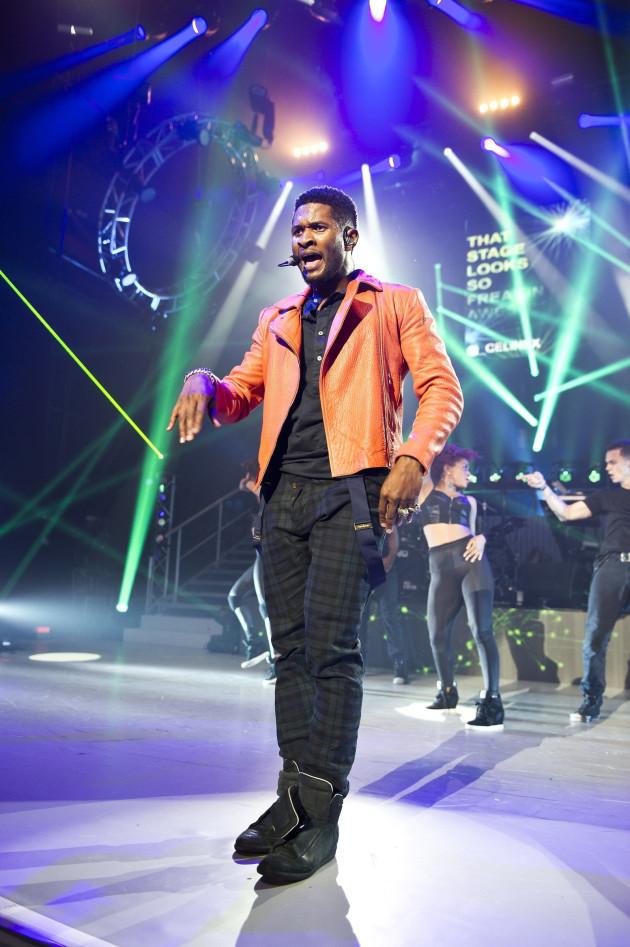 Usher Dancing