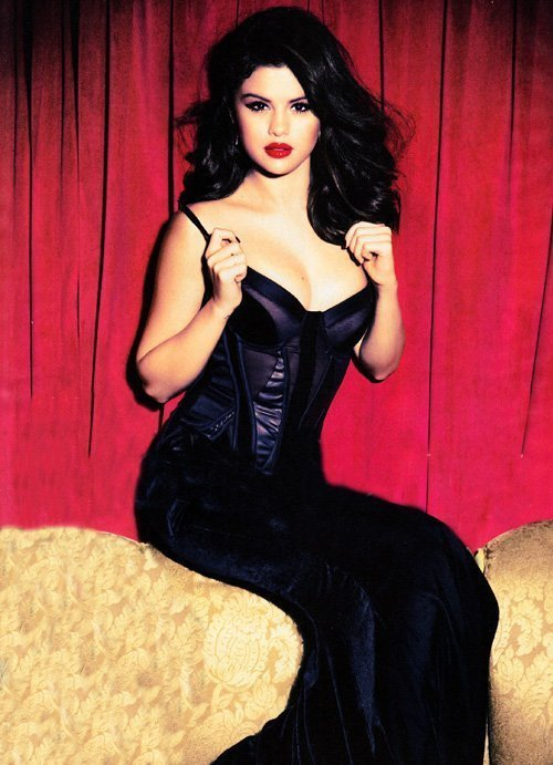 Selena Gomez Seduces in Glamour