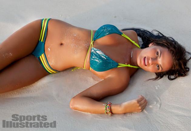 Chrissy Teigen, Bikini
