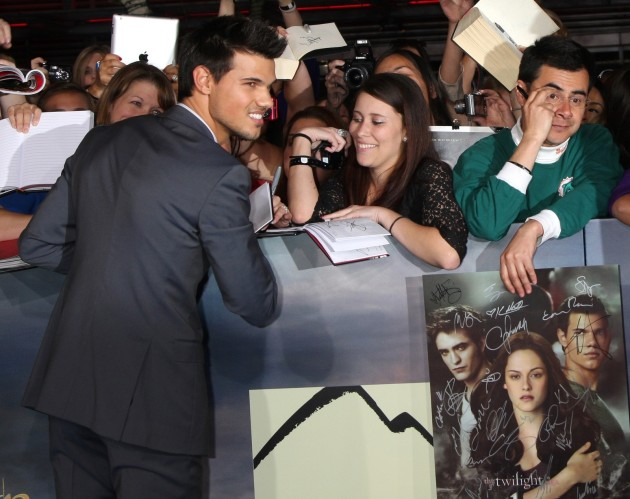 A Smiling Taylor Lautner