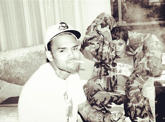 Chris Brown, Rihanna Twitter Pic