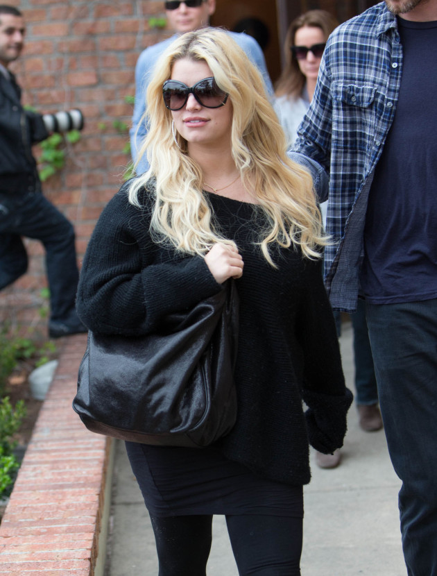 Hot Pregnant Jessica Simpson
