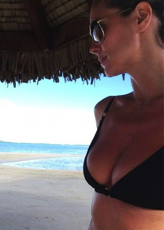 Heidi Klum Bikini Twitpic