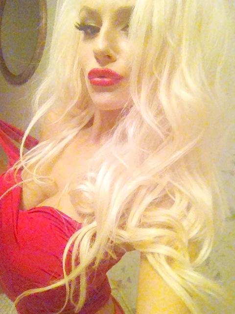 Courtney Stodden as a Blonde