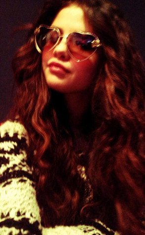 Selena Gomez Makes Like Penny Lane
