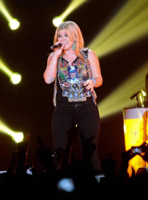 Kelly Clarkson Rules!