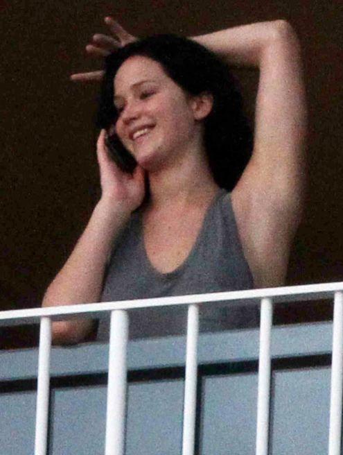 Jennifer Lawrence: No Makeup! Brown Hair! Weed! [Photos] - The ...
