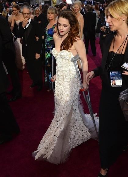 Kristen Stewart Limping