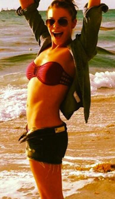 LeAnn Rimes Bikini Twitpic