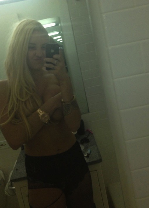 Amanda Bynes Topless
