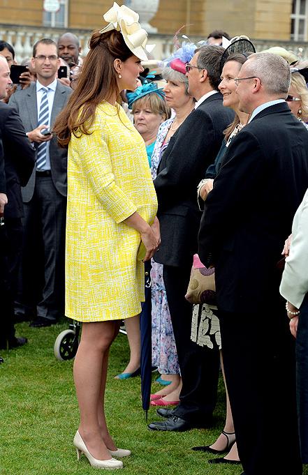 Kate Middleton, Baby Bump in Yellow Dress