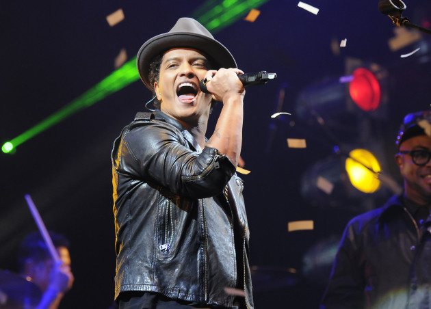 Bruno mars concert pic the hollywood gossip