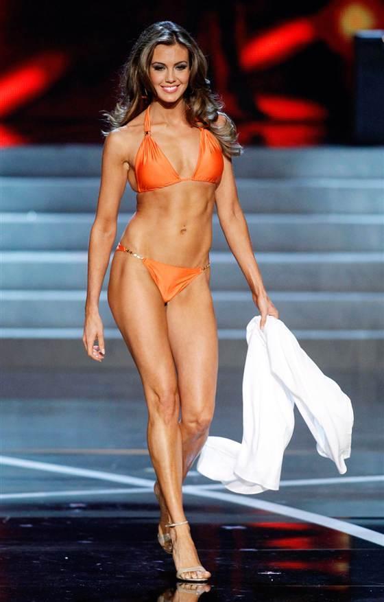 Erin Brady Bikini Picture