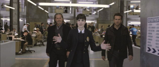 Jeff Bridges, Mary-Louise Parker, and Ryan Reynolds in R.I.P.D.