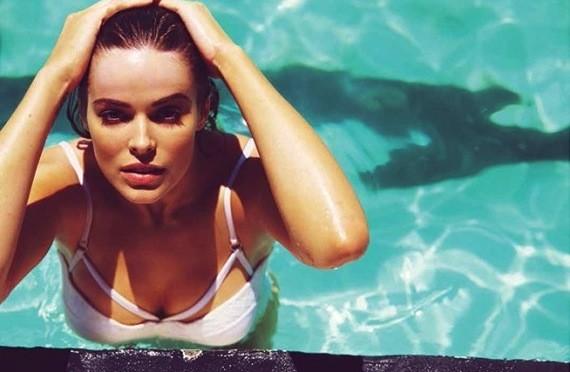 Robyn Lawley Bikini Pic