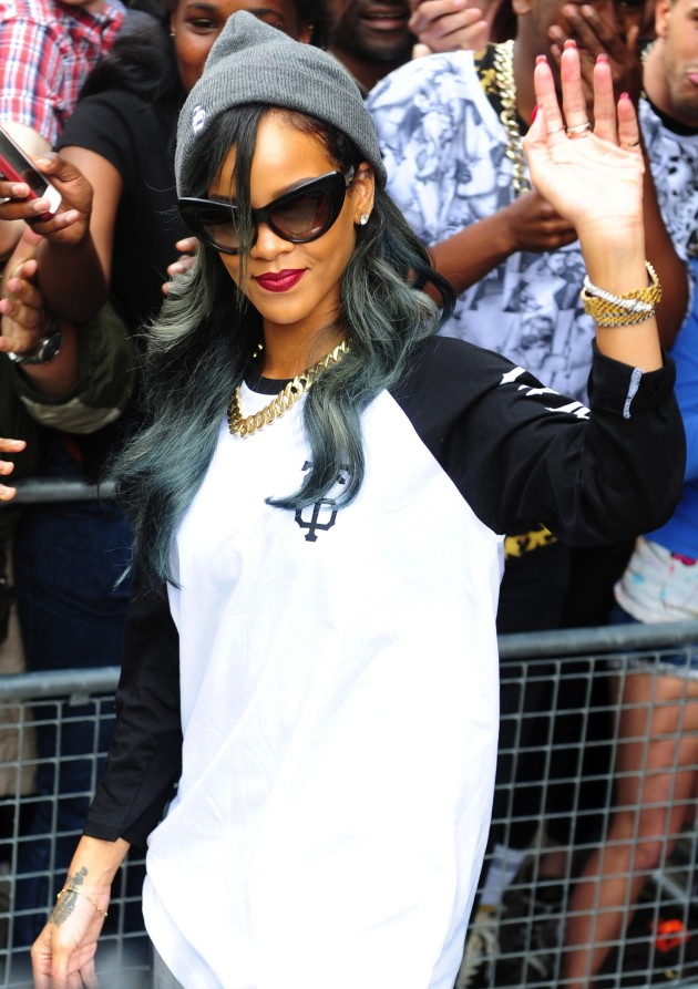 Rihanna Waving
