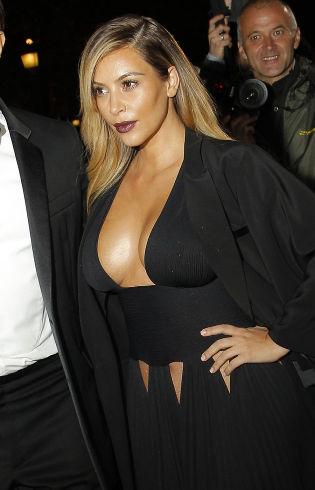 Kim Kardashian: Huge Breasts!