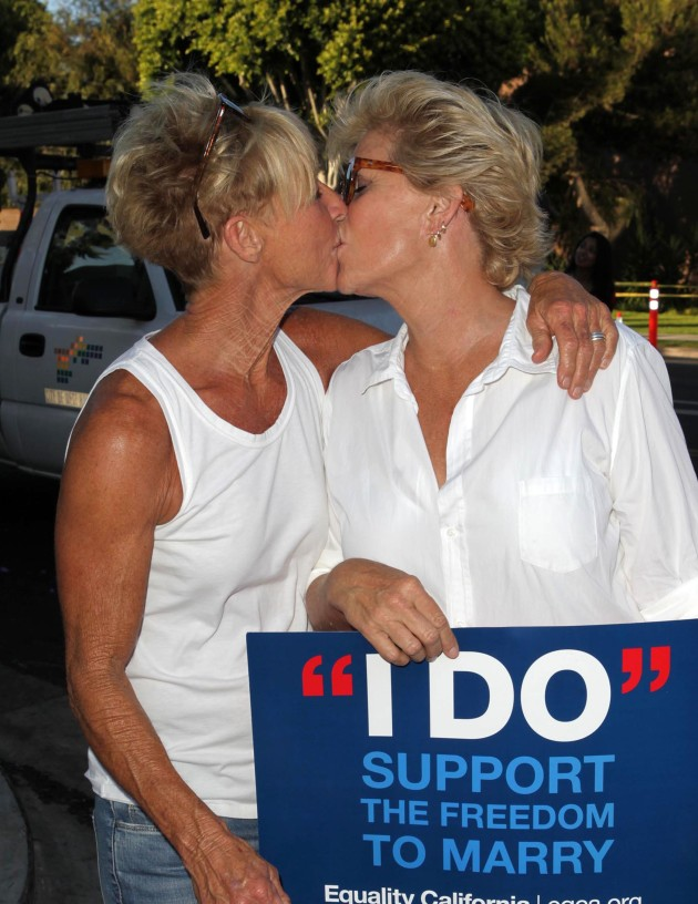 Nancy Locke and Meredith Baxter