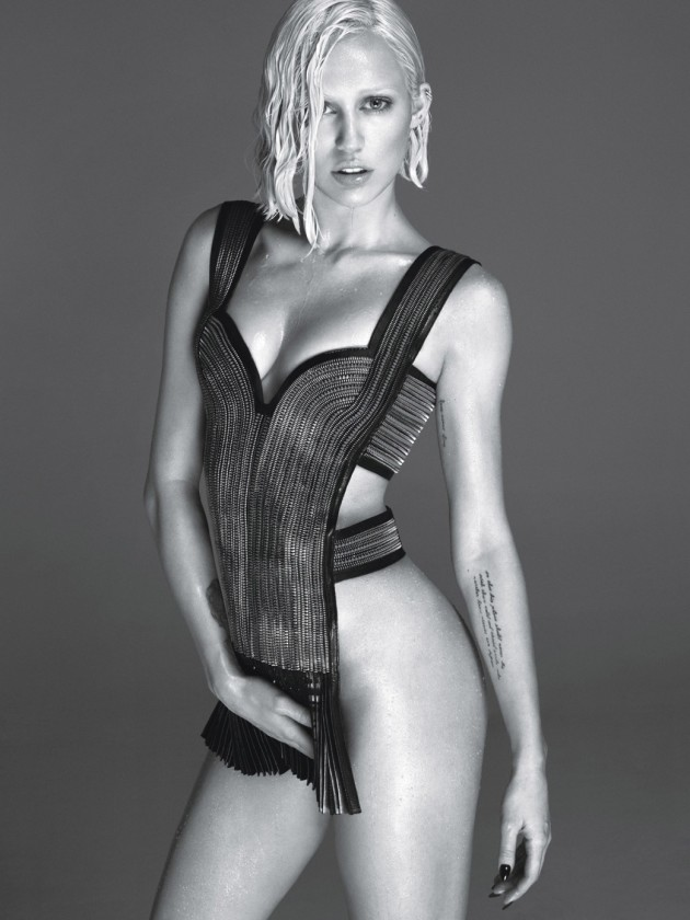 Miley Cyrus W Magazine Photo