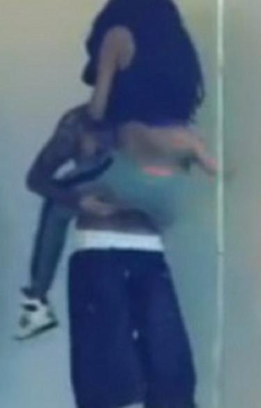 Justin Bieber Hoists Selena Gomez