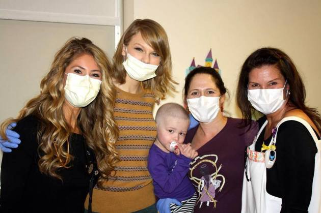 Taylor Swift at NYC Hospital