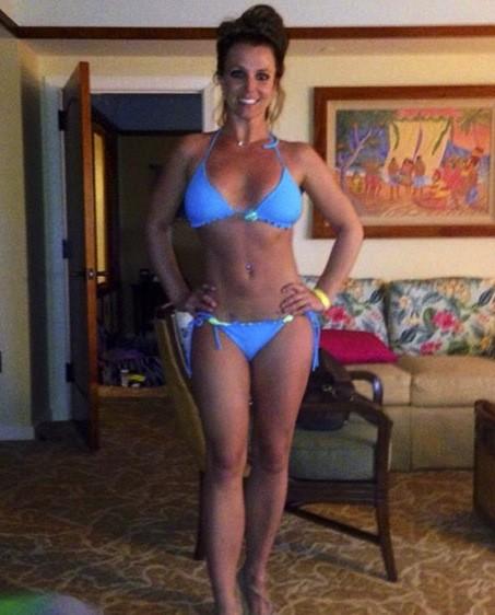 Britney Spears: Bikini Photo in Blue